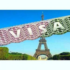 Франция изменит сроки выдачи виз российским туристам